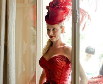 foto donna in rosso
