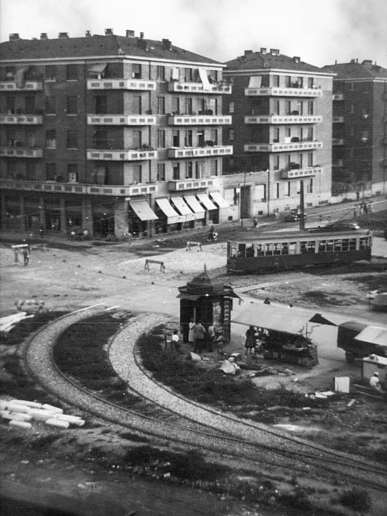 piazza miani - capolinea del 12 - 1955