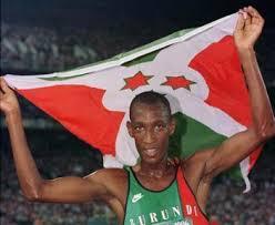 foto venuste atleta con bandiera