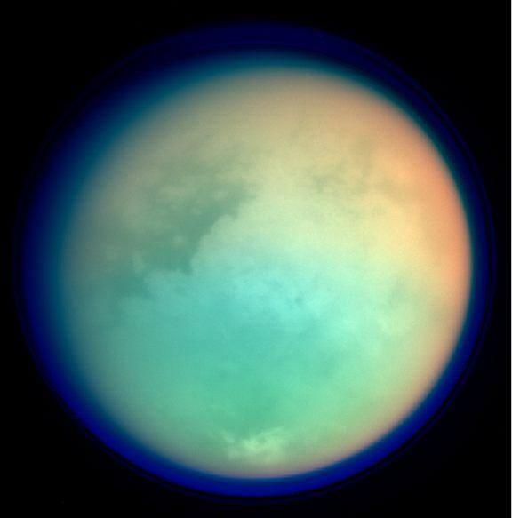 foto6-Immagine con pianeta colorato (per intenderci)  Foto di Titano, luna di Saturno. Foto in UV e IR acquisite il 26 ottobre 2004