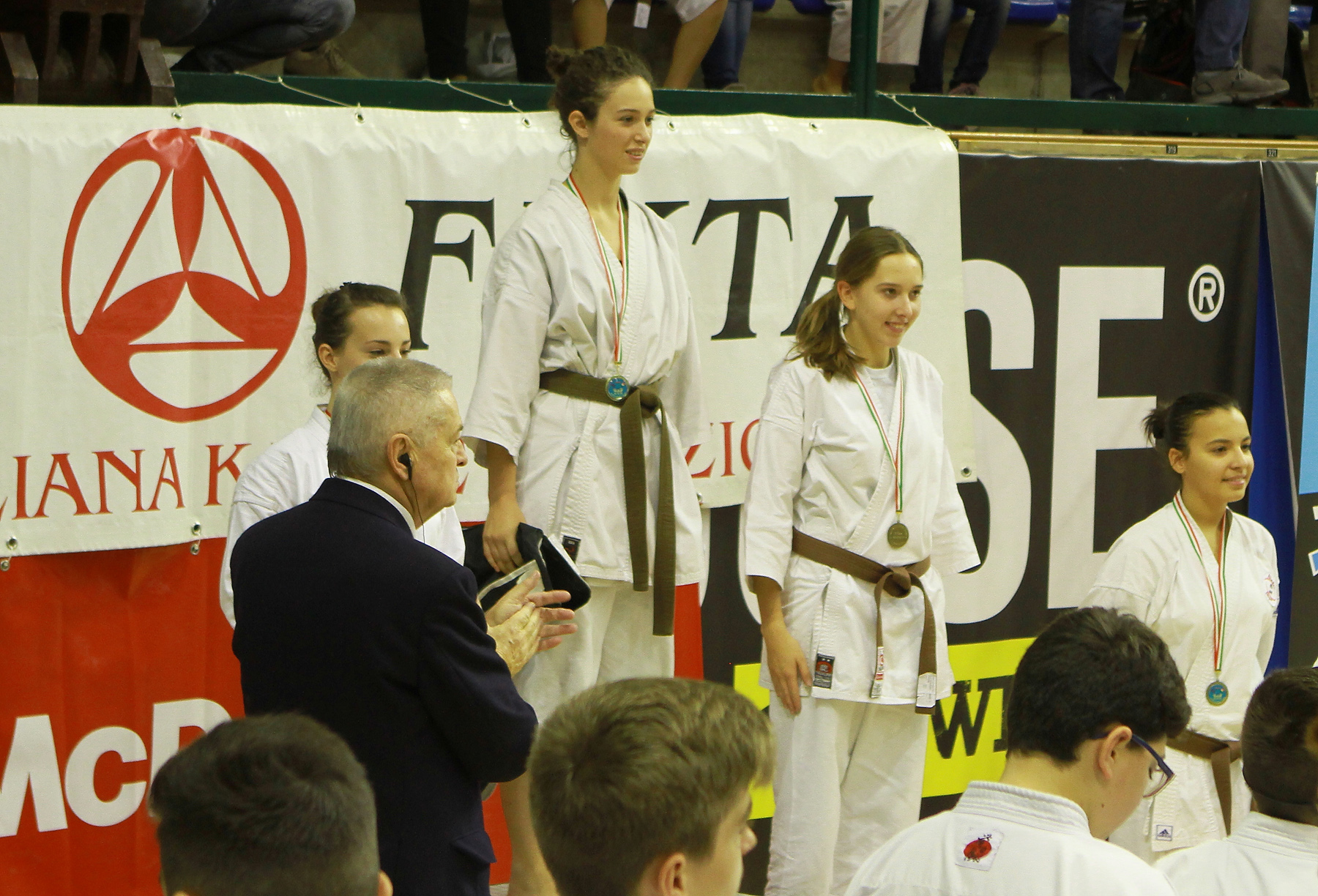 Karate, Raissa Varieschi, di Gaggiano, vince il 6° meeting europeo cat. Ragazzi