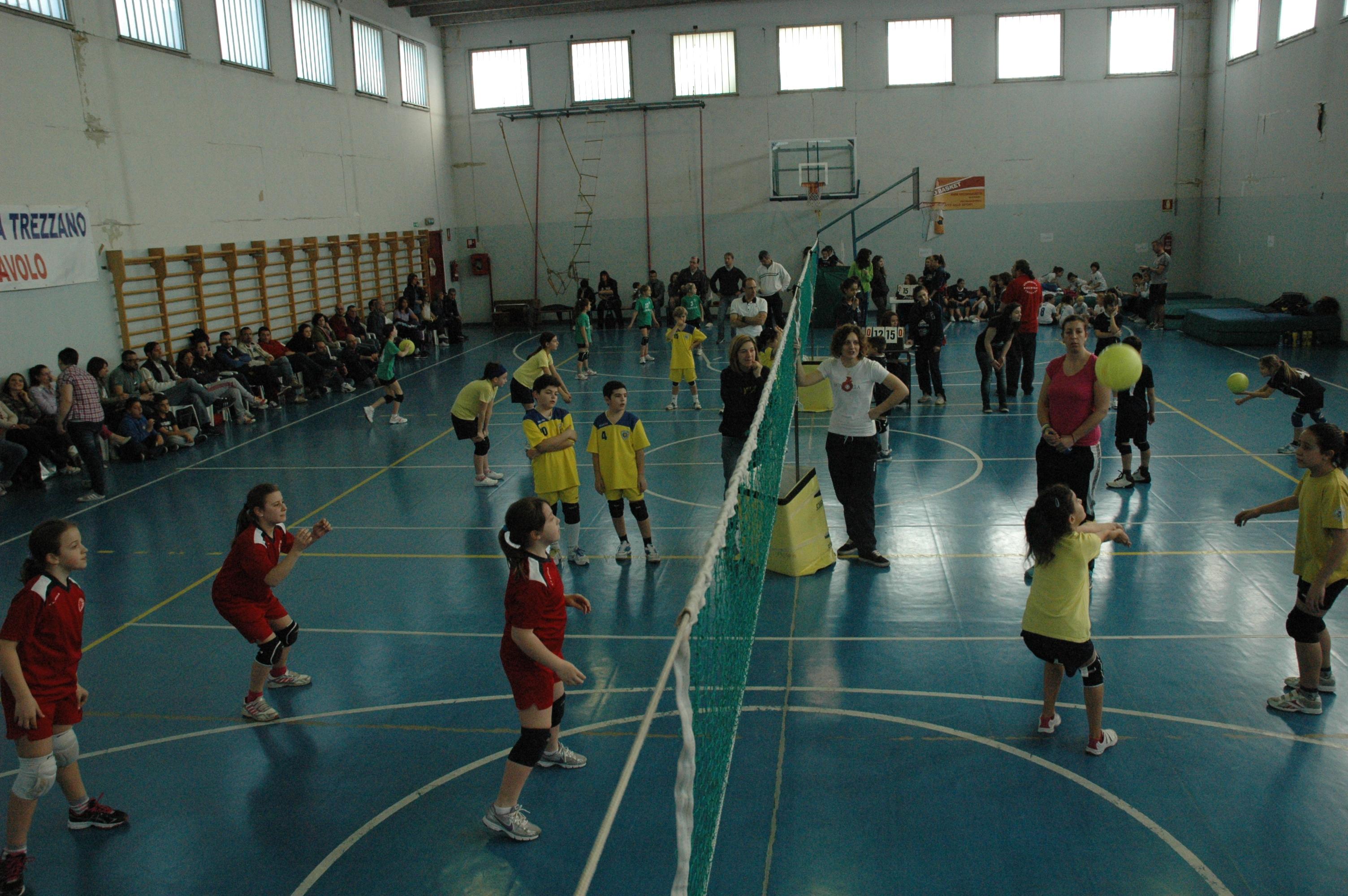 Piccoli atleti del minivolley in gara a Trezzano s/Naviglio